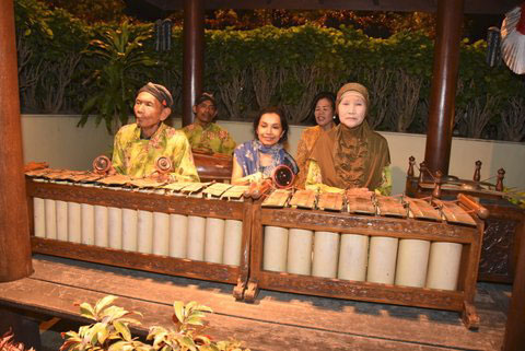 A small gamelan ensemble at the entrance of the Ramayana ballet at Prambanan. They invited me to sit in and try out the gambang for a few minutes.